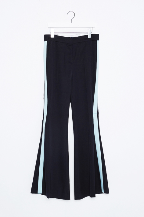 16FW LINE FLARED PANTS